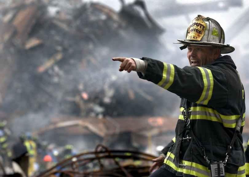 fireman-firefighter-rubble-9-11-70573.jpeg